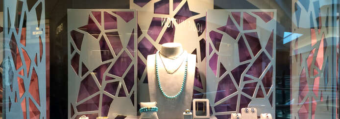 Small composition design hyde park display window 008