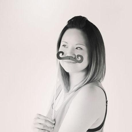 Rachel ko moustache