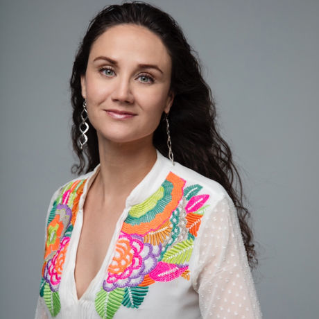 Olga s headshot