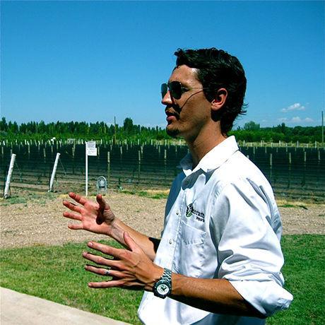 Mariano headshot winery
