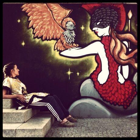 Rafi E Uma Writer Portuguesa Proprietaria Da Loja De Graffiti Dedicated Store Porto Na Cidade Do Porto Estudou Ballet E Arquitectura
