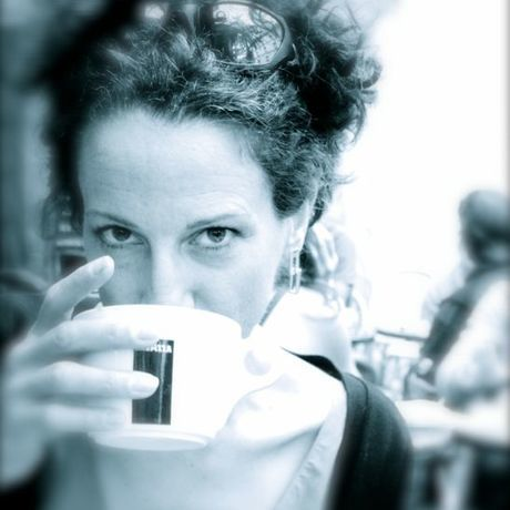 Cbdrinkingcoffee