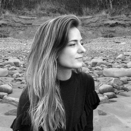 Sarah profile 01