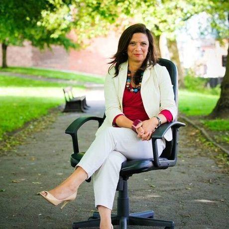 Sharon chair profile